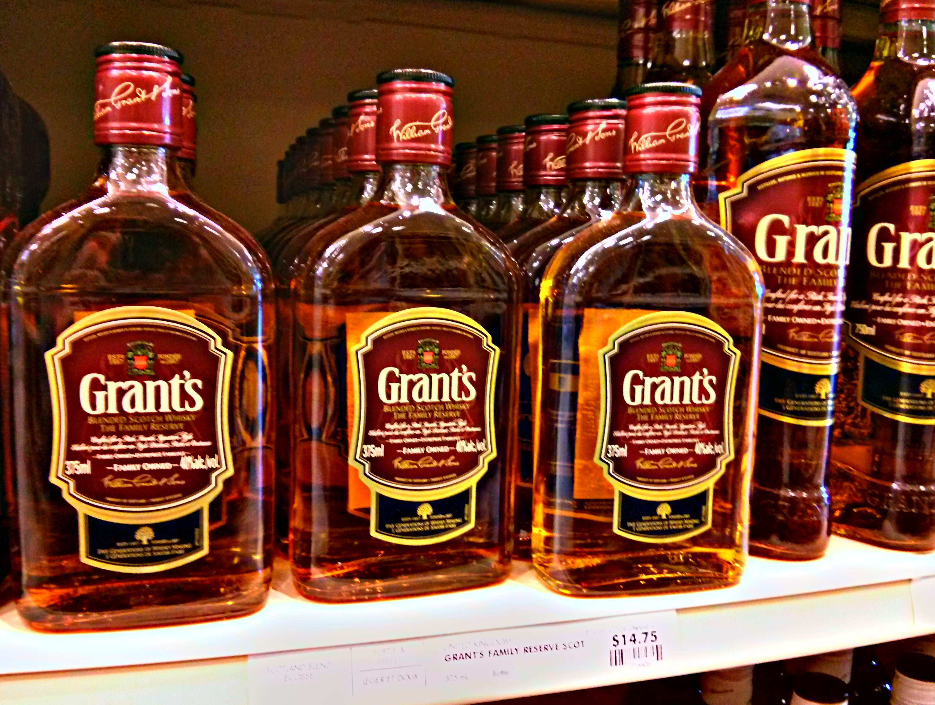Grant's Family Reserve Blended Scotch Whisky with Dan, Ryan & Goran