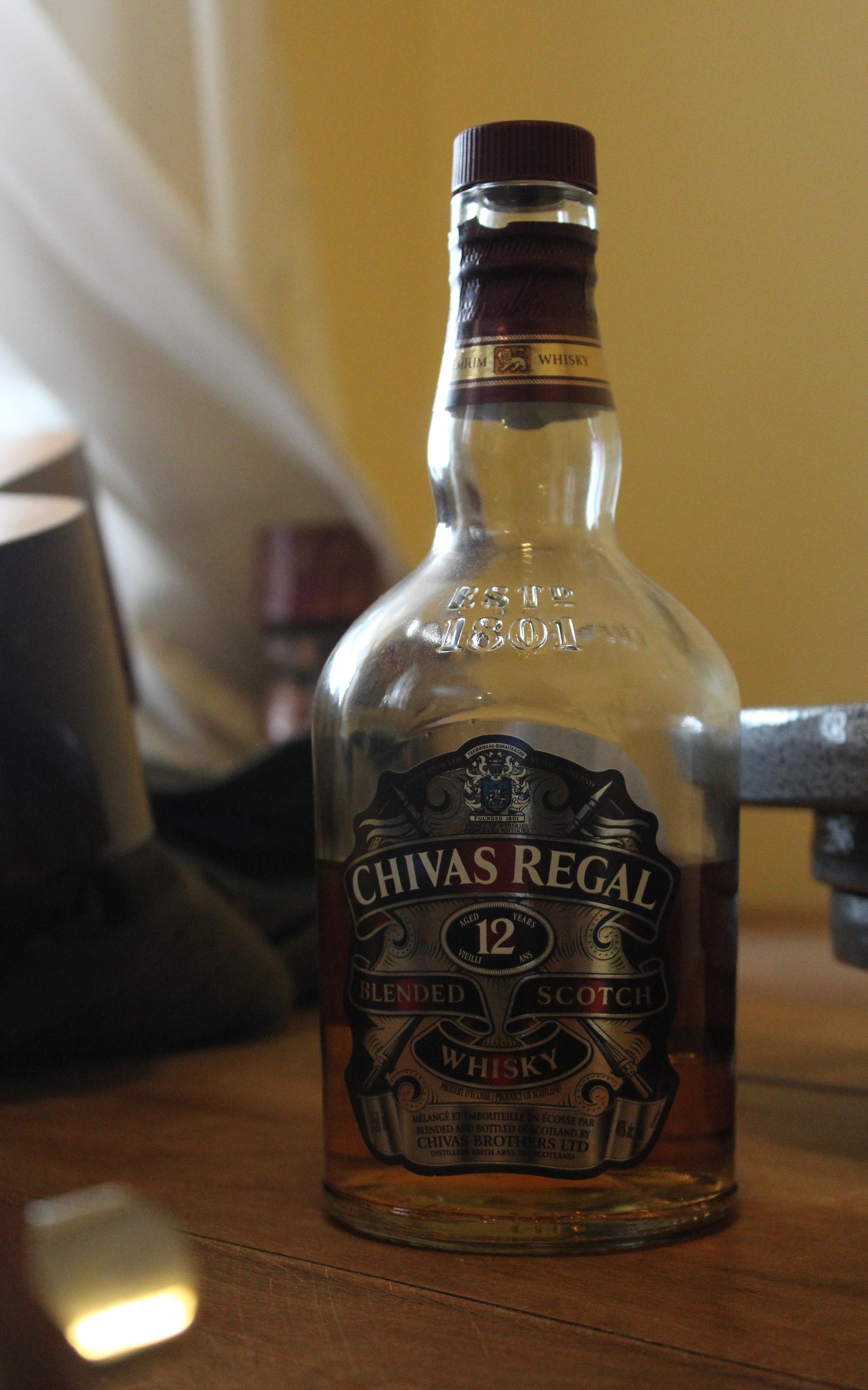 Chivas Regal 12y Blended Scotch Whisky with Dan & Ryan