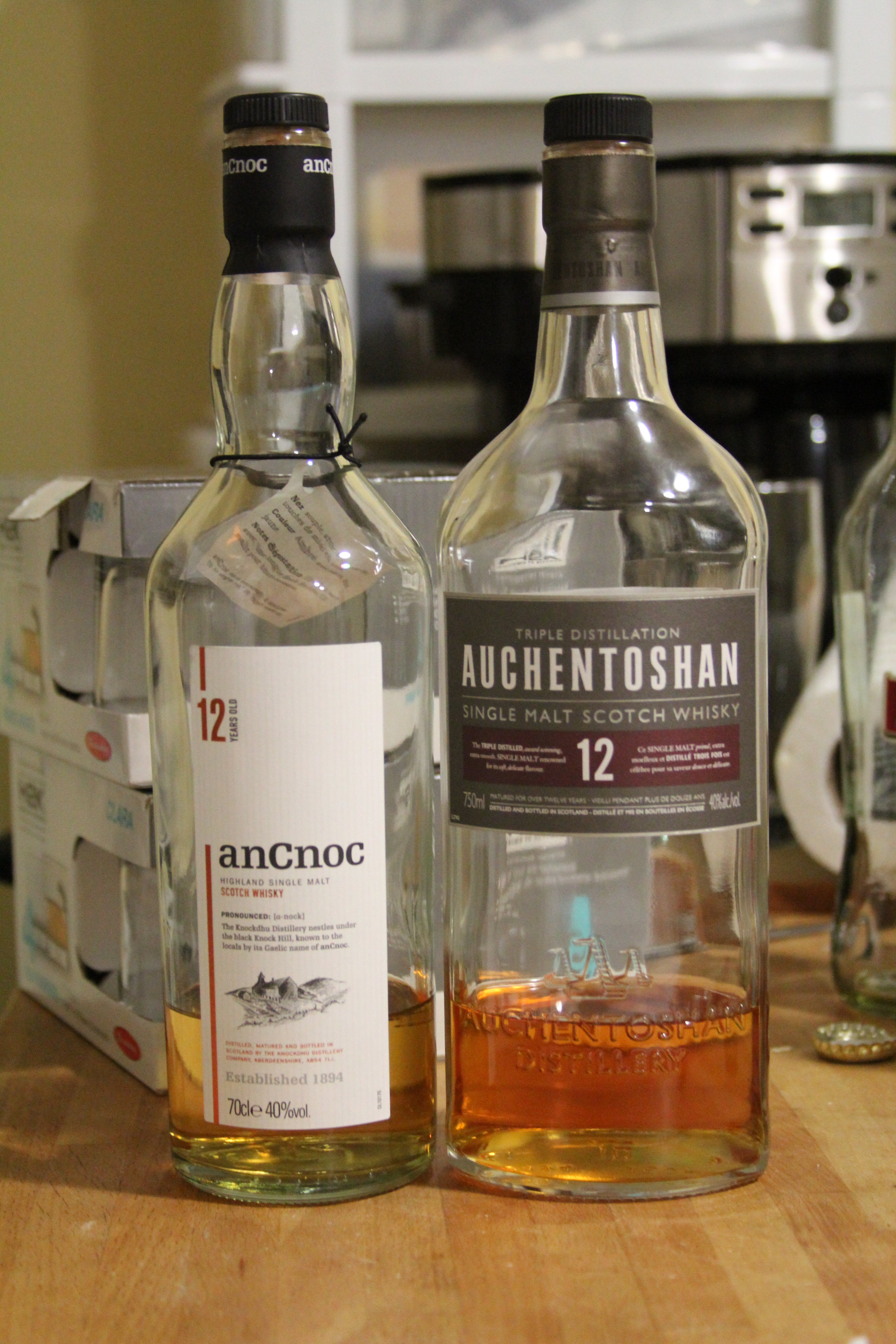 BattleScotch! anCnoc 12y v Auchentoshan 12y with Ryan, Goran & Bowick