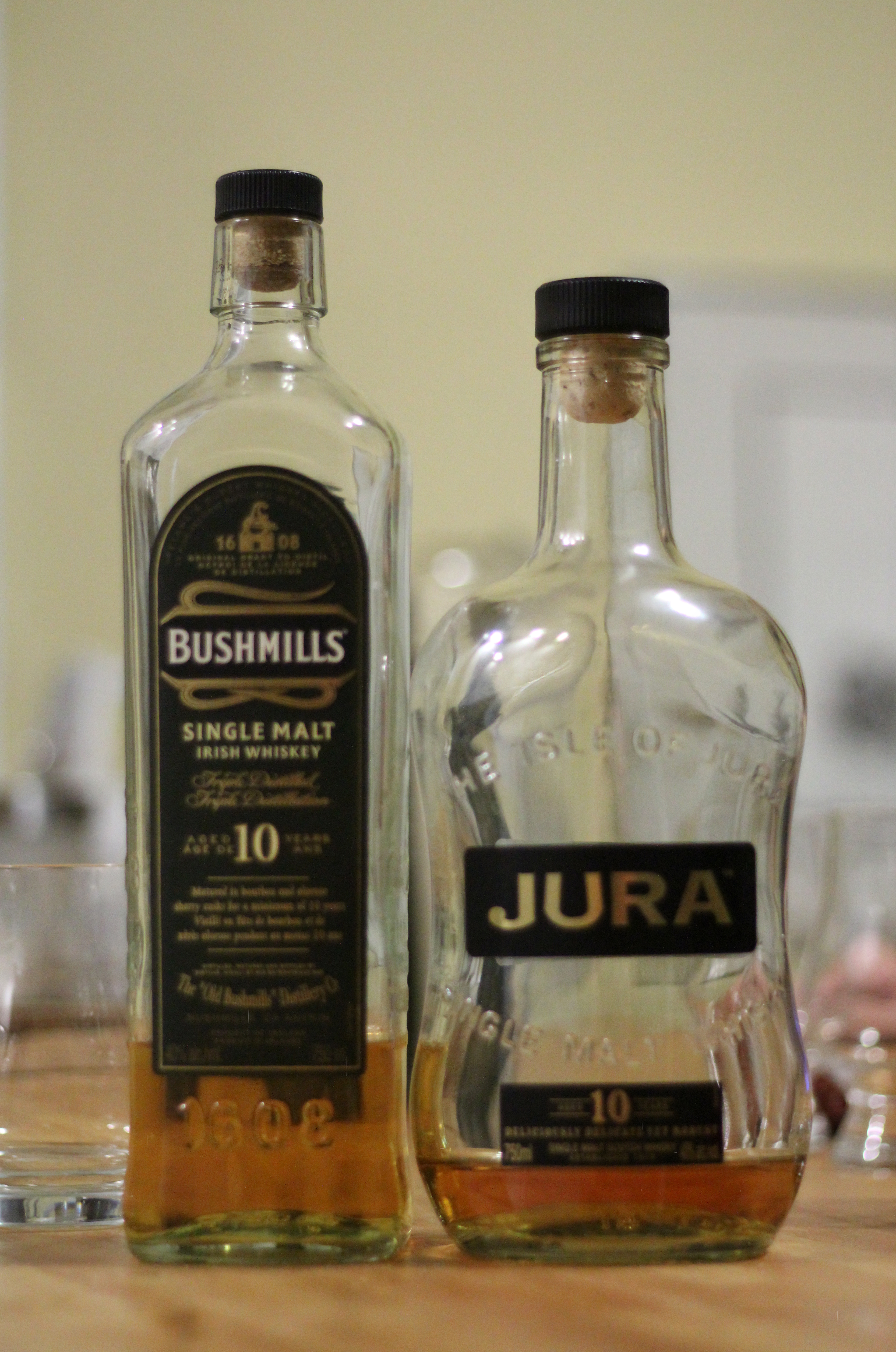 BattleScotch! Bushmills 10y Single Malt v Jura Origin 10y with Dan, Ryan & Goran