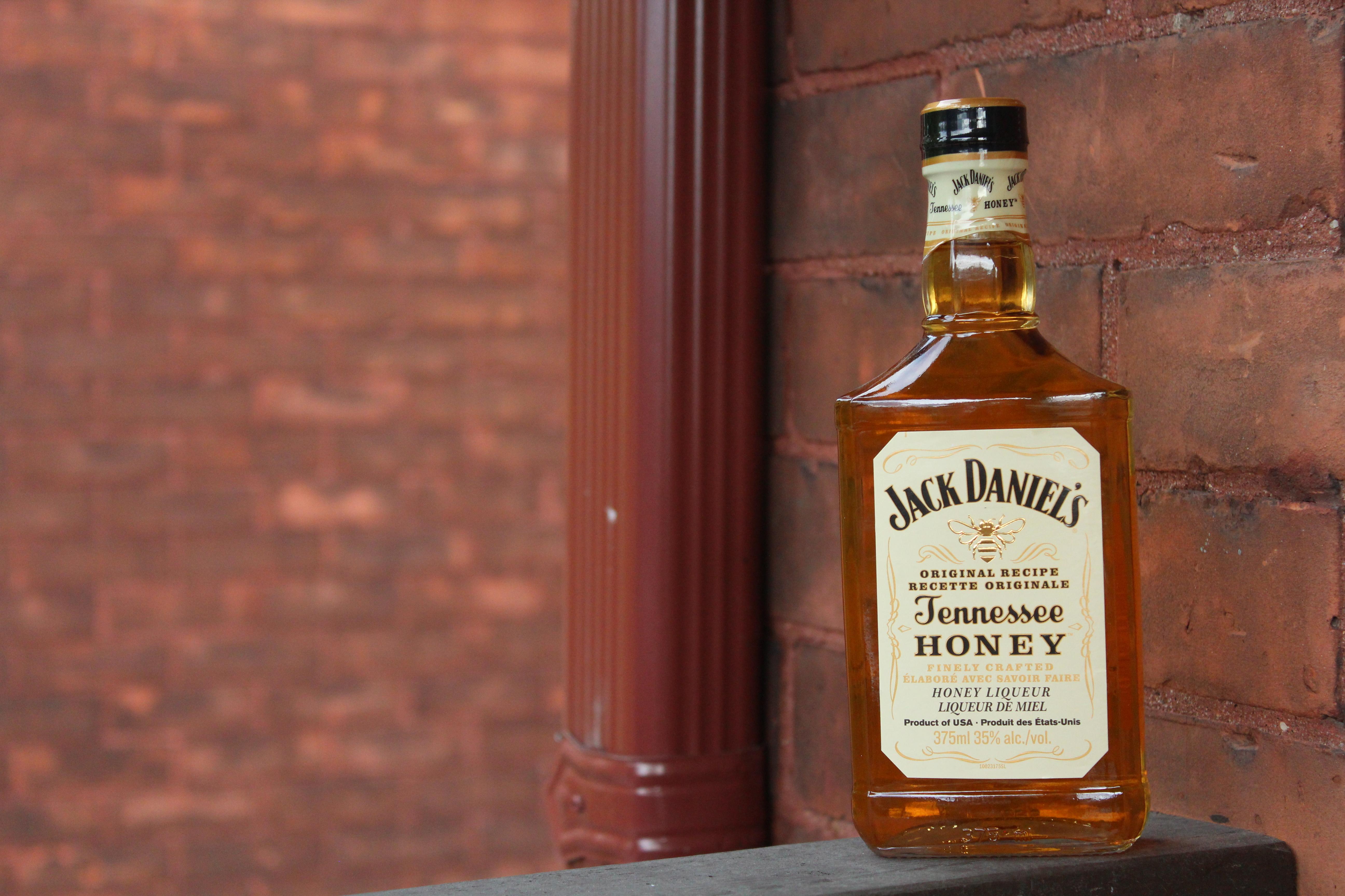 Jack Daniel's Tennessee Honey with Dan, Goran & Davey
