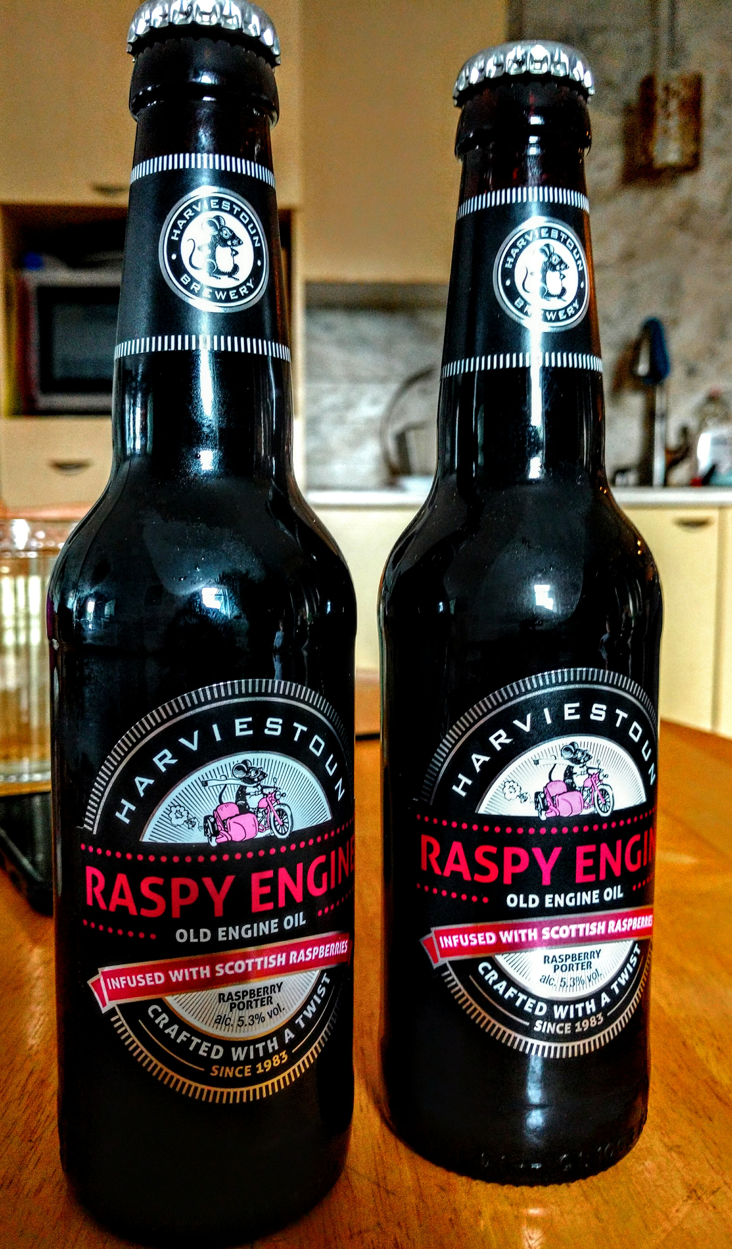Harviestoun Raspy Engine Old Engine Oil Raspberry Porter with Dan