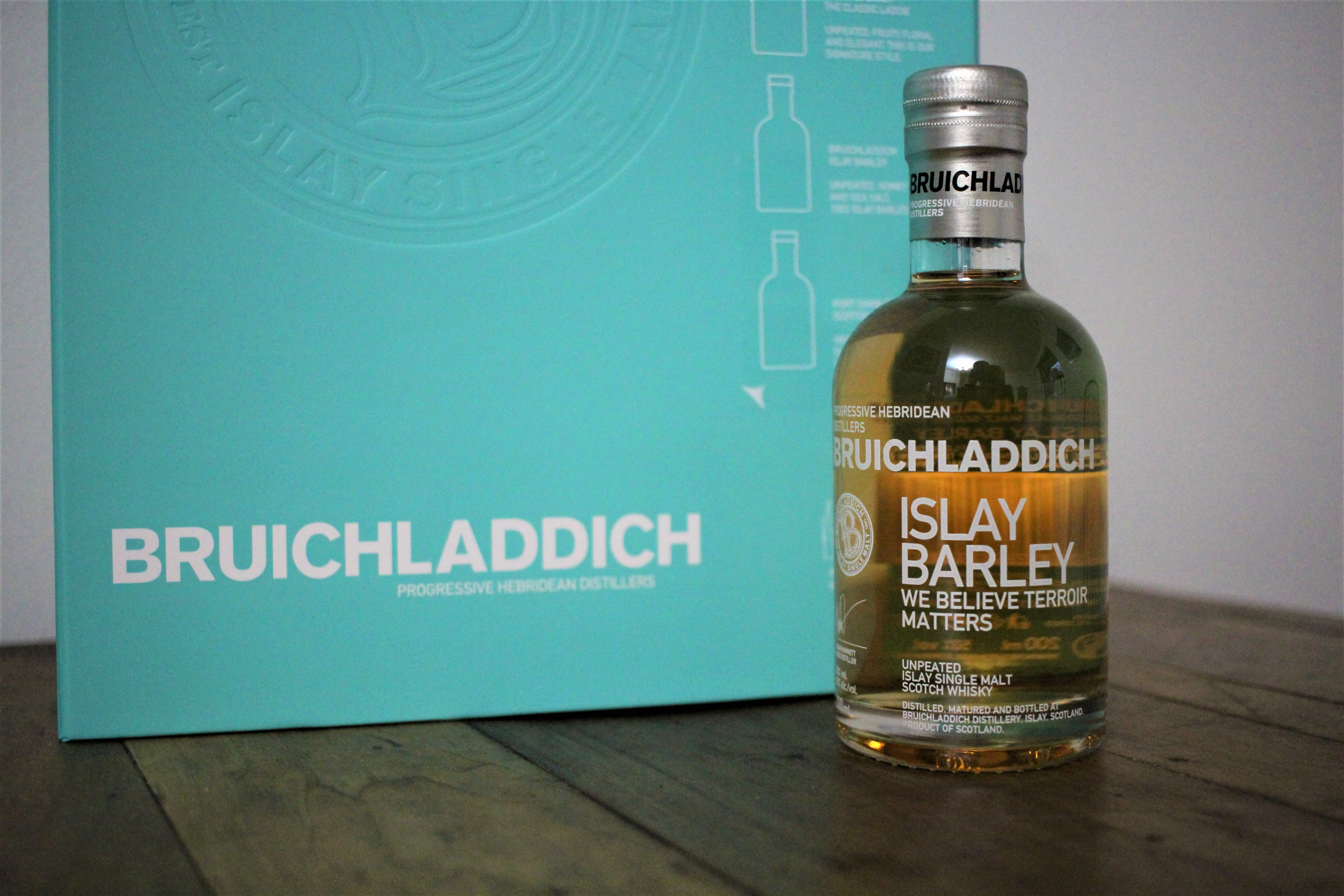 Bruichladdich Unpeated Islay Barley with Dan & Ryan