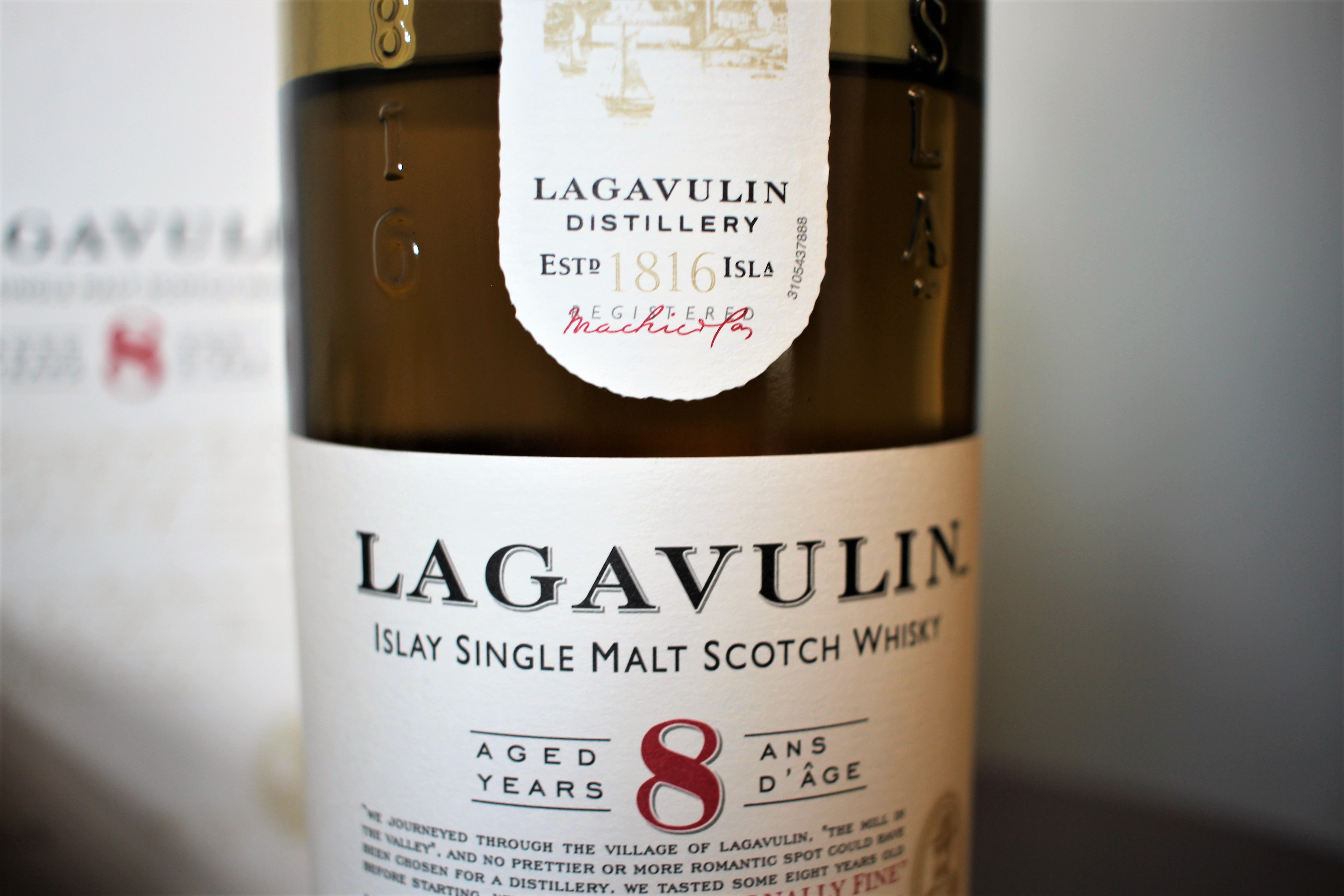 2018-09-01 Lagavulin 8y with Dan & Goran